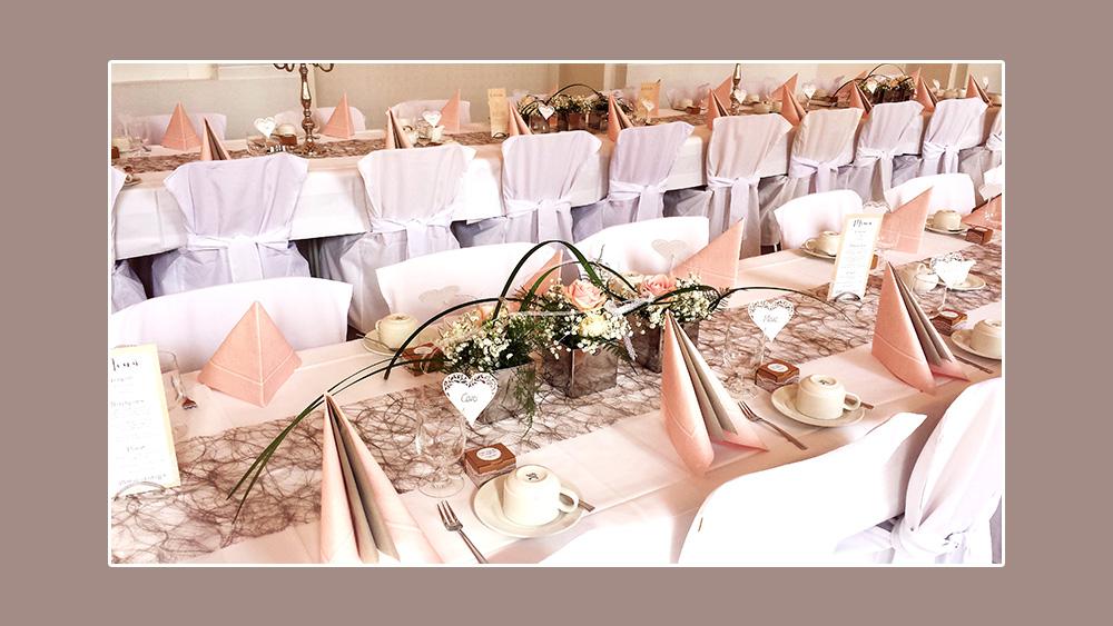 Blumenschmuck Deko Hochzeit