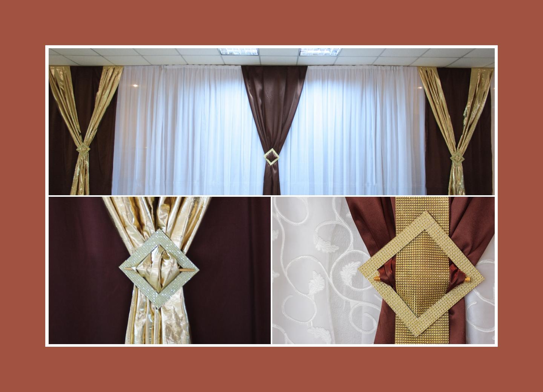 Brautpaartisch Hintergrund mit goldenen und braunen Stoffen