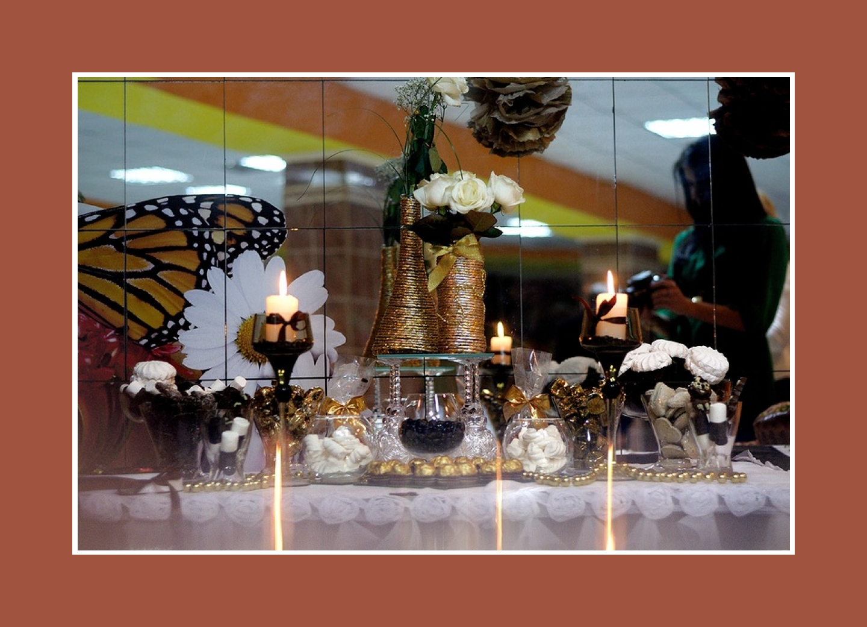 Candy-Bar im gold-braunen Stil