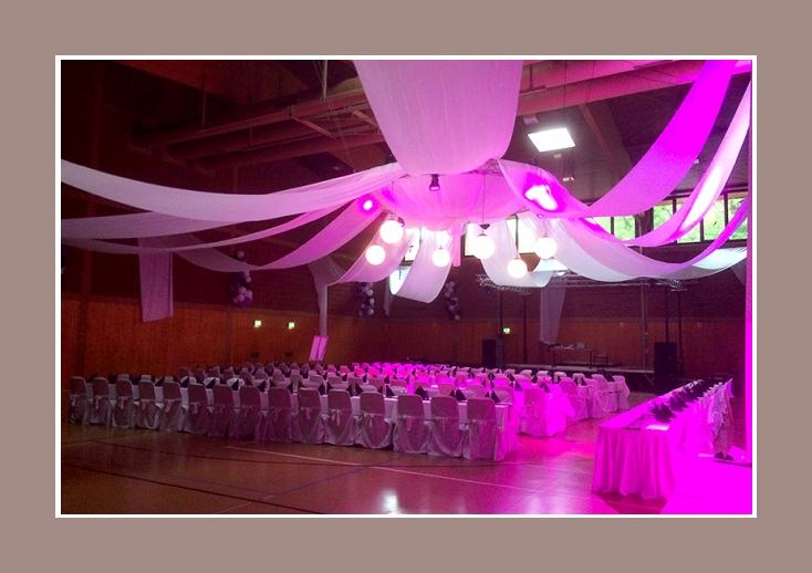Hochzeitsdekoration grosse Hochzeitslocation
