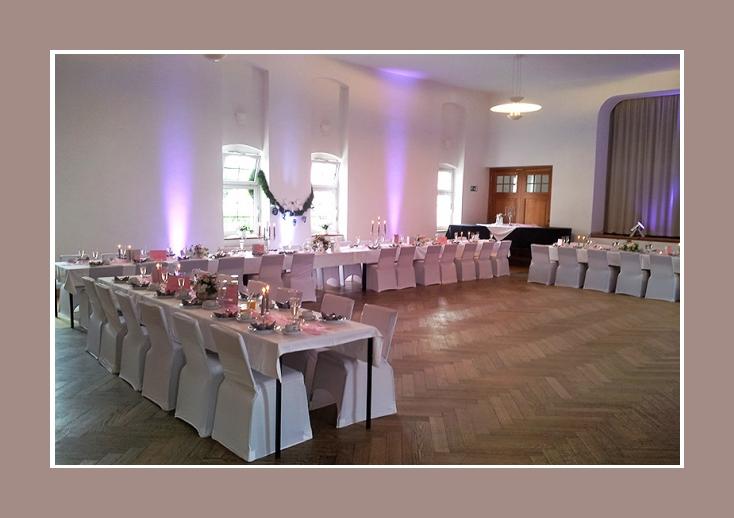 Hochzeitssaal Deko Hochzeit