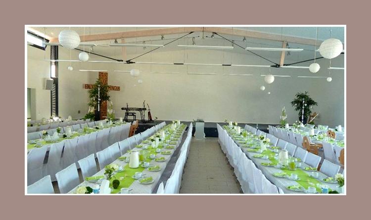 Raumdeko Hochzeit gruen weiss