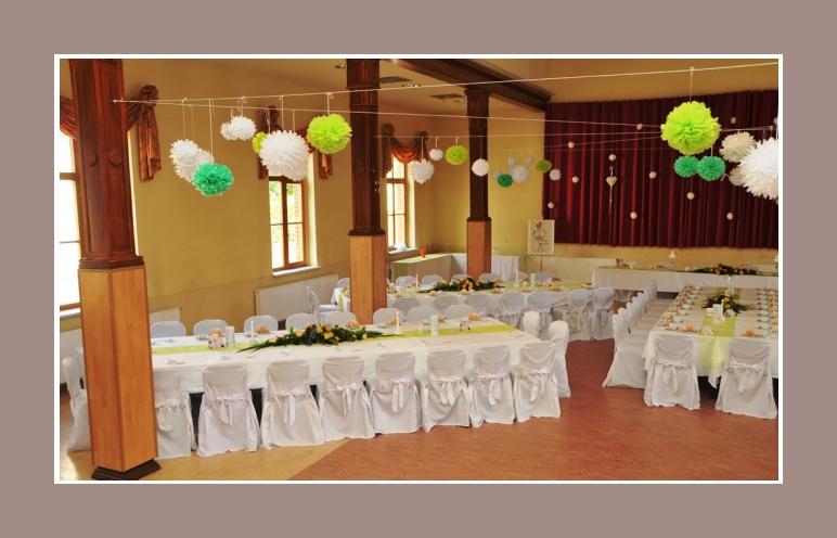 Stuhldekoration mit Stuhlhussen Hochzeit