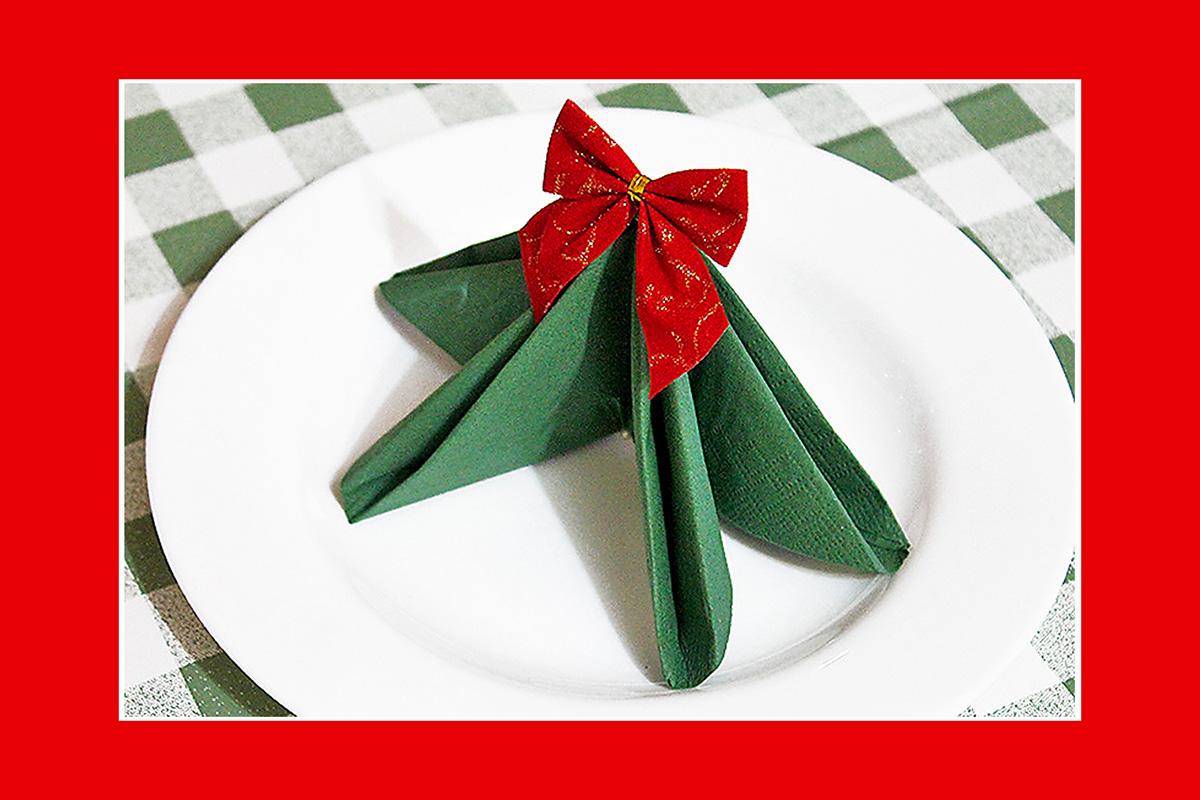Servietten falten  Tannenbaum Weihnachten