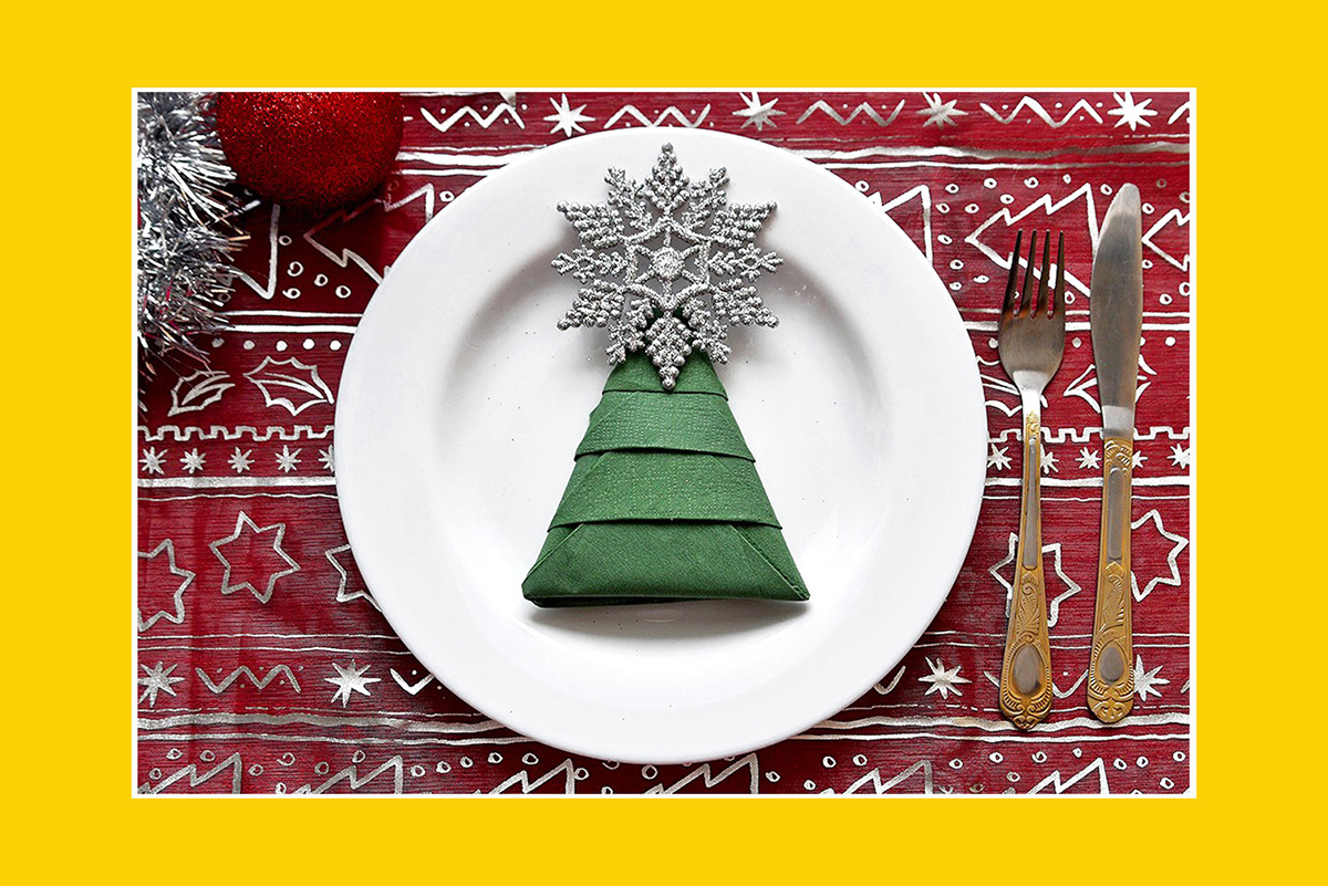 Servietten falten Anleitung Weihnachtsbaum Papierservietten