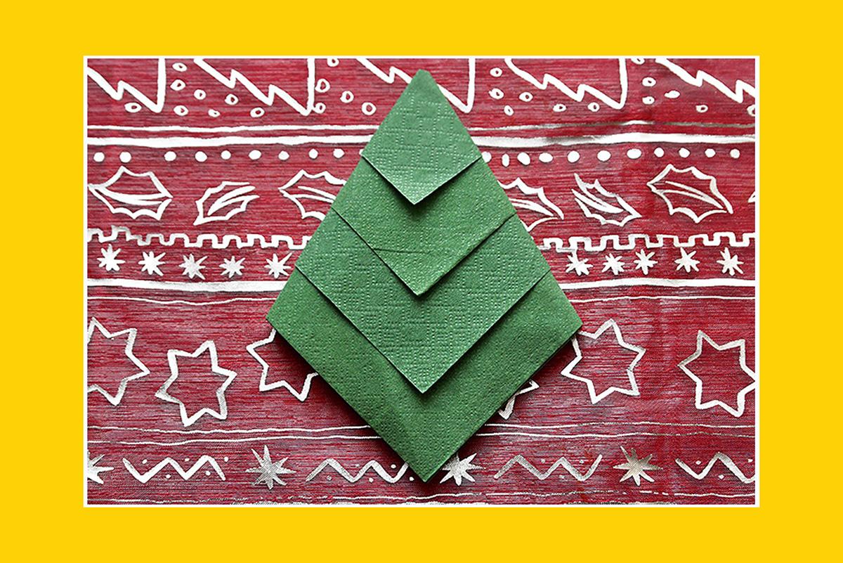Servietten falten Anleitung Weihnachtsbaum zum Weihnachtsfest