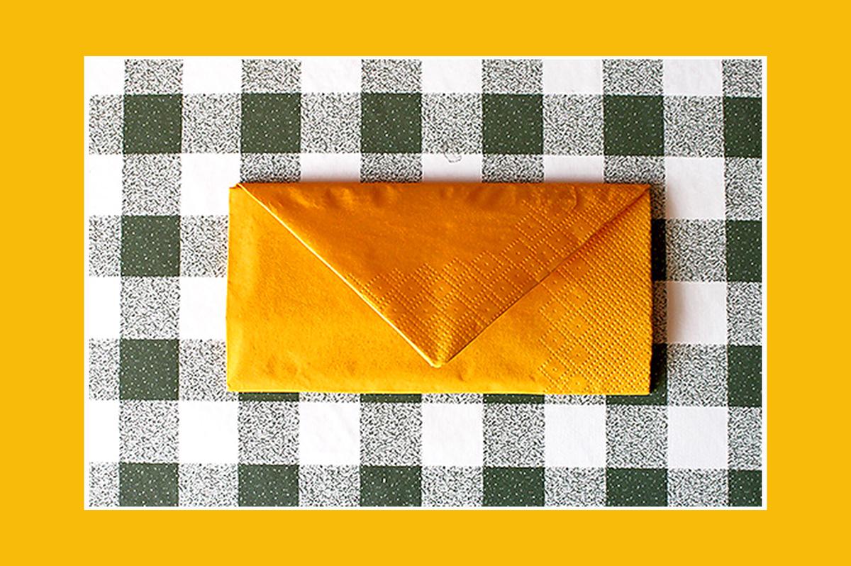 Papierservietten falten Brief Umschlag