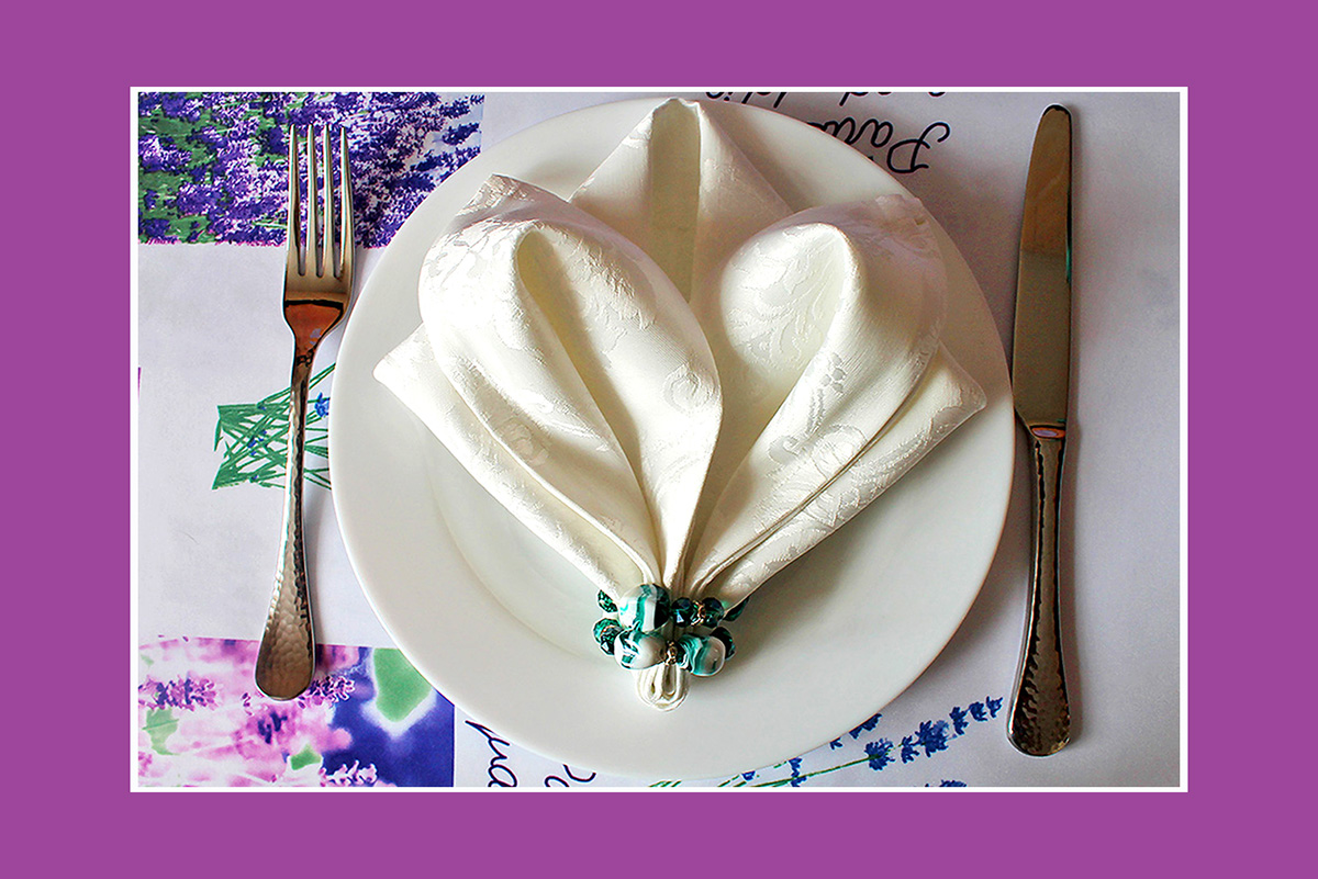 Schöne Lilie aus Stoffserviette mit Ring  Videoanleitung