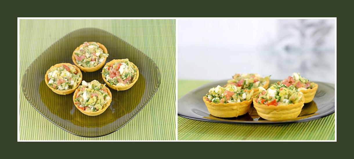 Kartoffelsalat mit Tomaten, Ei, Dill in Torteletts