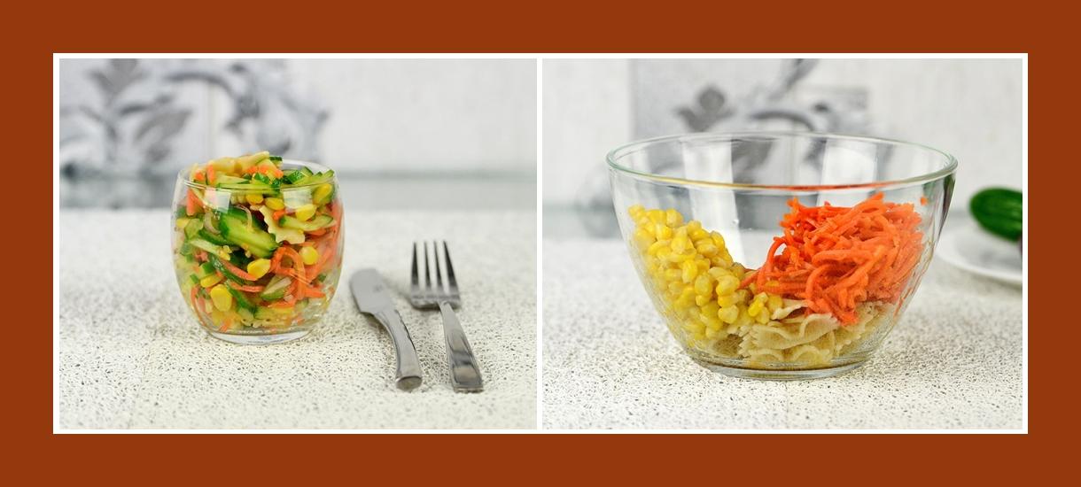 Bunter Gemüsesalat mit Mais, Farfalle Nudeln und koreanischen Karotten