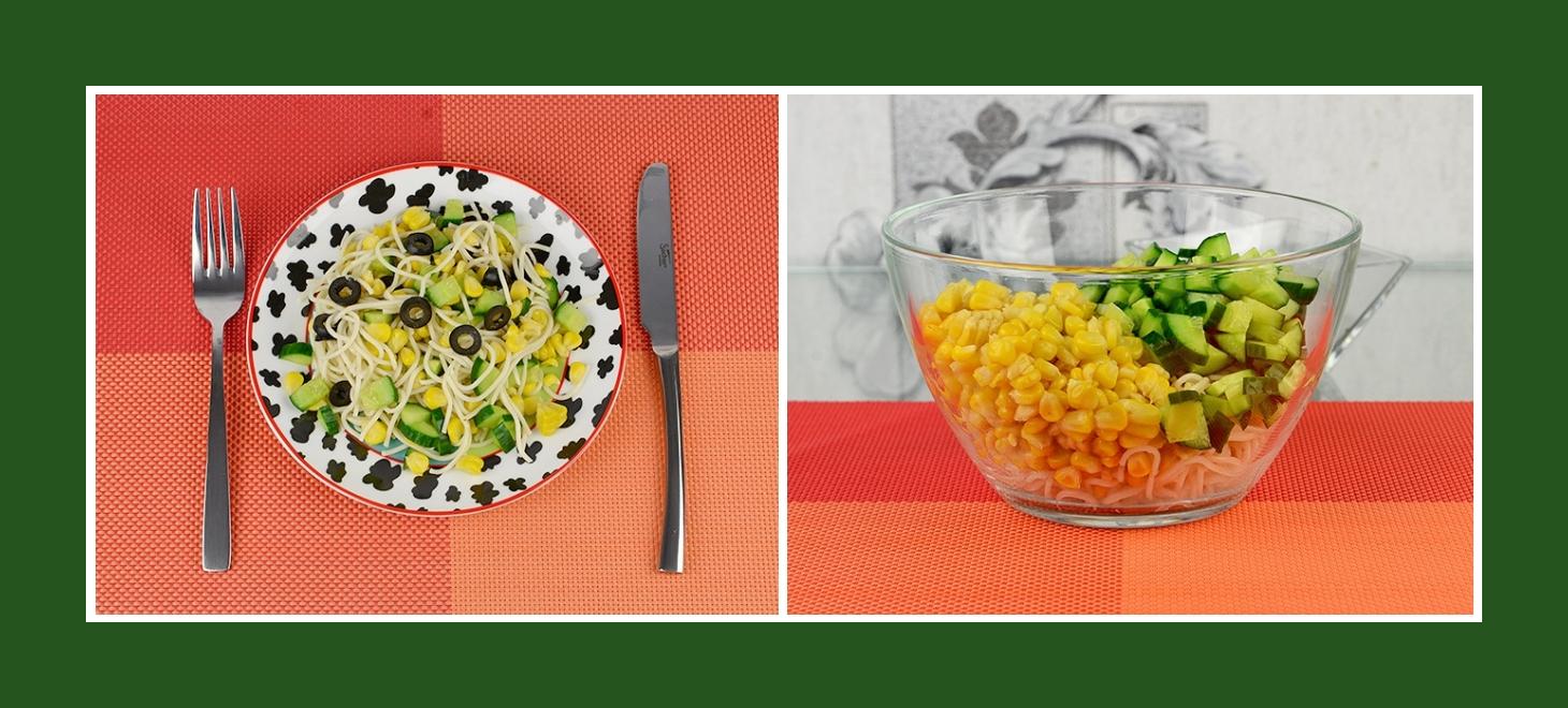 Salat mit Spaghetti, Mais und Gurken