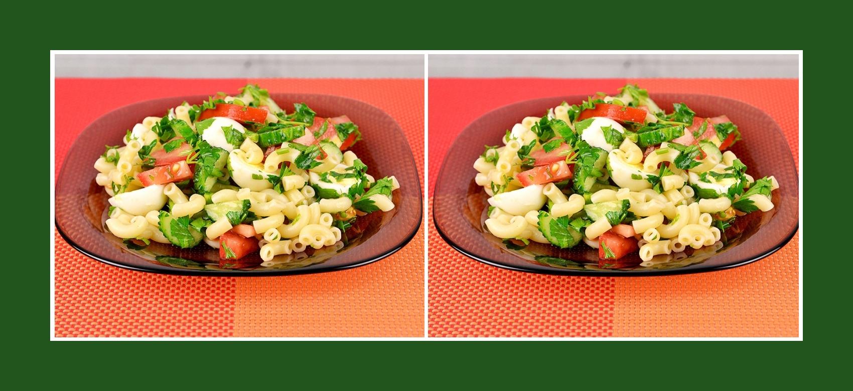 Gesunder Nudelsalat Gemüsesalat mit Wachteleiern