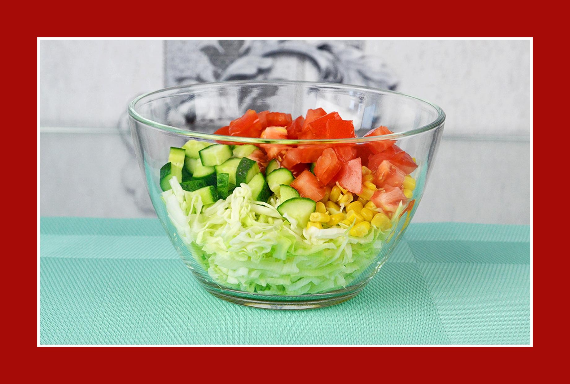Tomatensalat Gurkensalat mit Mais und Kohl
