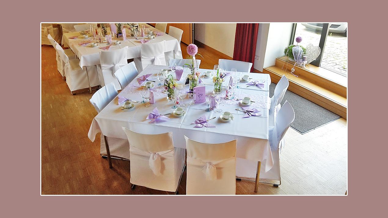 Hochzeitsdeko Frühling Tischdeko lila weiß