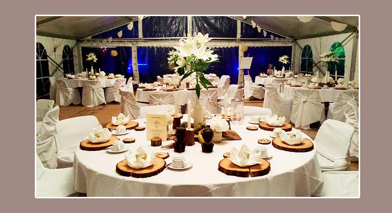 Stuhlhussenverleih Tischdeko Hochzeitsdeko