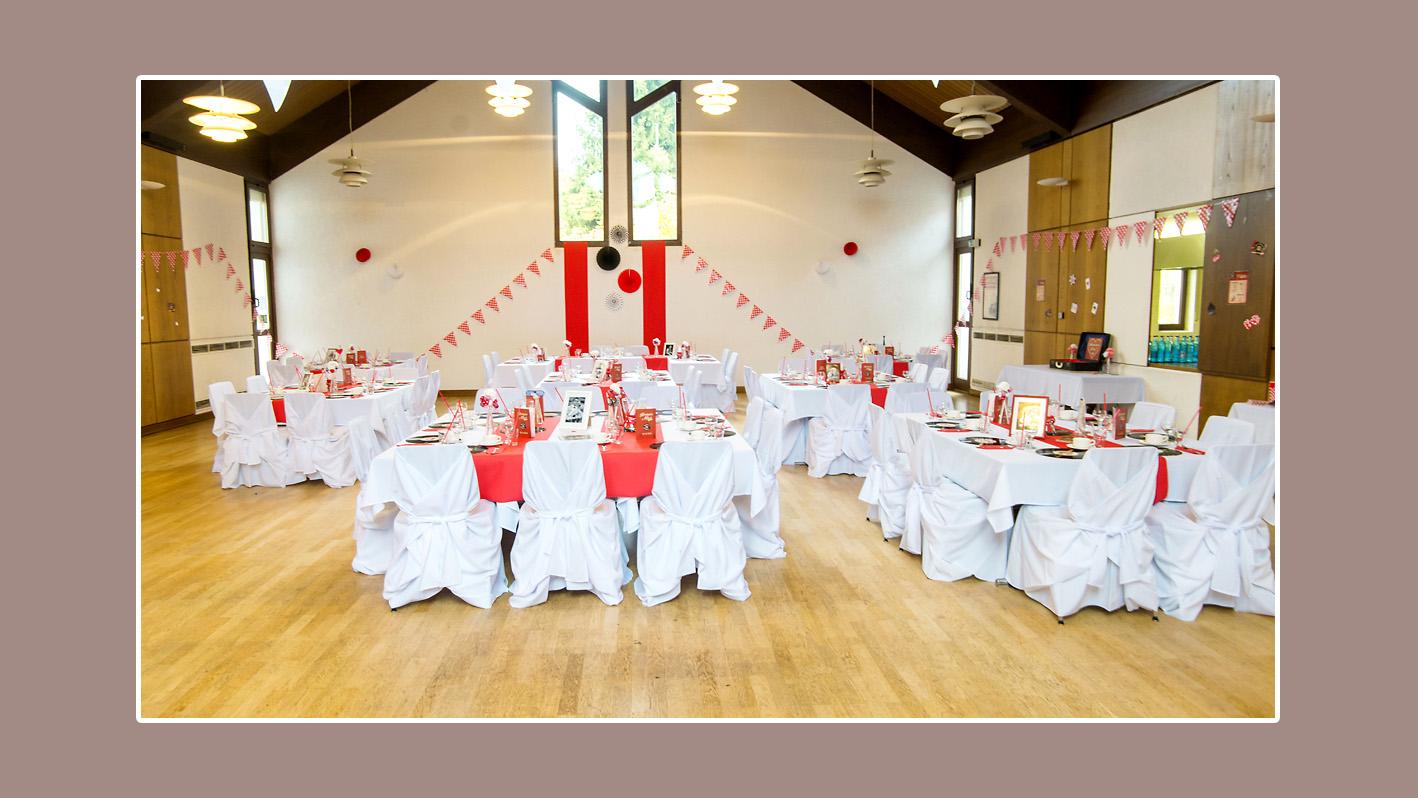 Hochzeitsdeko von Nicole und Marioin in Weiß, Schwarz und Rot