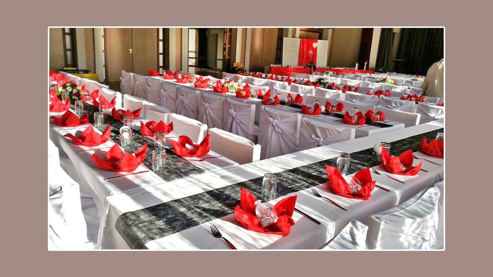 Hochzeitsdeko Von Nicole Und Marioin In Weiss Schwarz Und Rot Ab 1