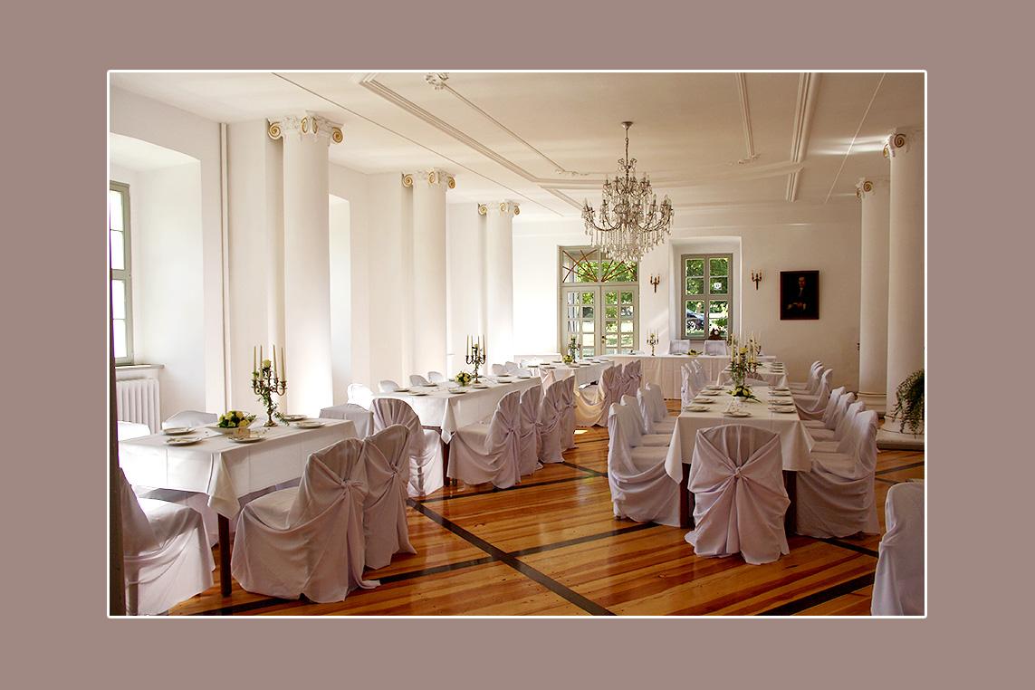 Hochzeitslocation Schloß Groeditz Raum Dresden - Stuhlhussen-mieten