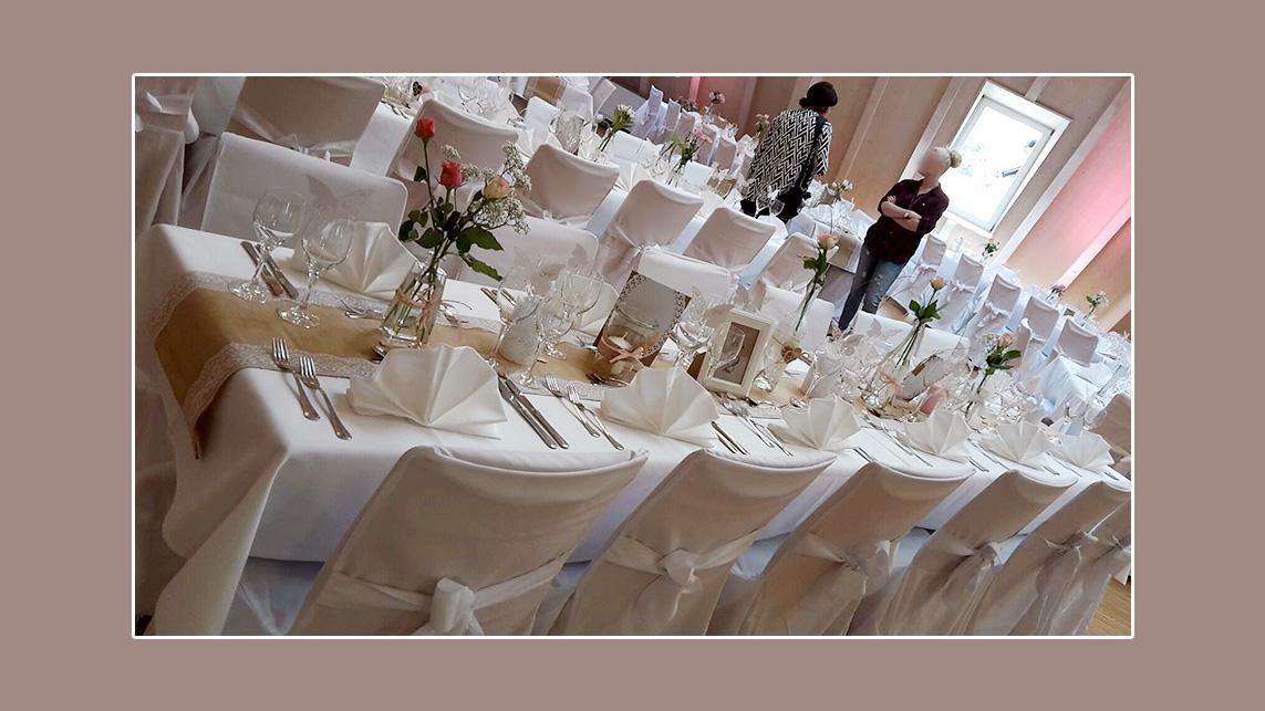 Tischdekoration Nordrach Hochzeit Weiß Creme