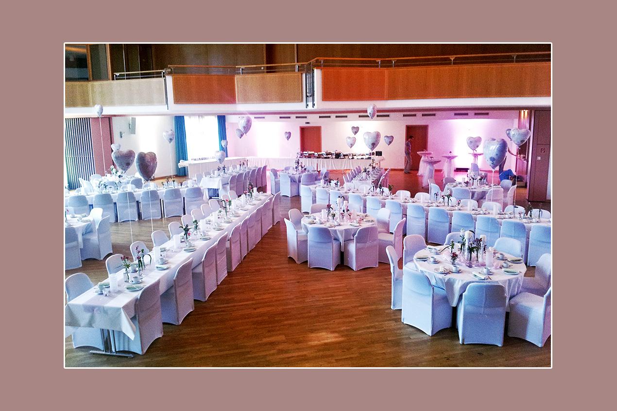 Stretchhussen für Hochzeit im Bürgerhaus Kottenheim, Umgebung Mayen, Koblenz